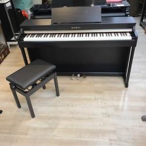 新しい電子ピアノが入荷いたしました!!