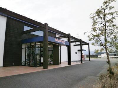 八幡店の外観写真