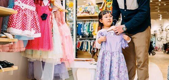 画像:かわいいセレモニードレスもリユースで賢く手に入れよう